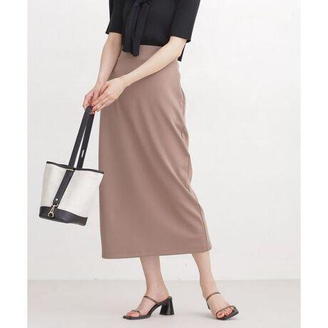 [型番:6691130040]■リラクシーながらも様になるボックスシルエット■オフィスでも様になるロング丈のIラインスカート。すっきりとした縦長シルエットながらも身体に張り付かず、カットソー素材でイージーな着心地が魅力。同素材のトップスとセットアップはもちろん、メッシュトップスや光沢トップス等と素材のコントラスト効かせるコーデもおすすめです。―DETAIL―・オフィスでも様になるロング丈のIラインスカート・着脱も穿き心地もイージーな後ろウエストゴム仕様・身体に張り付かないカジュアルなボックスシルエット・足さばきもよく抜け感をプラスする後ろスリット・トップスインで着た際のポイントになる後ろの金属ファスナー・デイリーの着回しからご自宅用まで幅広く活躍・店舗では買えない【WEB限定】アイテム―FABRIC―・程よい厚みのポンチ素材を使用・軽いのに透けず、薄いのに膨らみのある素材感・体に張り付かない快適な着心地・立体感をつくる程よいハリ感・洗濯機使用可―SERIES―6691127044 WEB限定/ライトポンチセンターシームパンツ (セットアップ可)6691124026 WEB限定/ライトポンチトップス 五分袖 (セットアップ可)model: H168cm 着用サイズ: FREE◆nano・universe◆【素材】(本体)ポリエステル76% レーヨン17% ポリウレタン7% (別布部分)ポリエステル65% レーヨン35%【原産国】中国製■商品注意事項■こちらの商品は水や雨に濡れたり、汗による湿気、乾燥状態での摩擦により色落ちし、薄い色の衣服などに色移りする可能性がございます。予めご了承いただき、ご使用の際にはご注意くださいますようお願い致します。※比較対照価格はメーカー希望小売価格です。