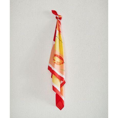 ナノ・ユニバース(レディース)のフラワープリントスカーフ■アートなタッチのフラワープリント■アート調の大きなフラワープリントが華やかなスカーフ。きれいな発色や、繊細なタッチが高級感を演出。首や頭に巻いたり、バッグに付けたり、アレンジ次第で様々なスタイルを楽しめます。―DETAIL―・アート調の大きな花柄が華やかなスカーフ・一年中使えるシーズンレスなデザイン・様々なアレンジを楽しめる大判サイズ・首、頭、バッグのハンドルなどアレンジ自在・シンプルコーデにプラスしてこなれ感を演出・イタリア製―FABRIC―・非常に軽く、さらっと巻ける素材感・シワになりにくいポリエステル―SERIES―6690241010 アラブ柄シフォンスカーフ6690241012 馬具柄スカーフ◆nano・universe◆【素材】ポリエステル100%【原産国】イタリア製[型番:6690241011]