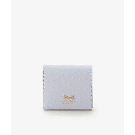 [型番:00122110280702]◇Samantha Thavasa Petit Choice(サマンサタバサプチチョイス)のオーストリッチモチーフ折財布ボディの立体的なドットが特徴の小物シリーズ。リボンモチーフの両サイドには小花がちりばめられており華やかなデザインに。リボンの結び目はさりげなくハートになっているのがこだわりポイント◎思わず気持ちが明るくなるような華やかなパステルカラーで展開で、優しくあたたかい気持ちになるようなシリーズ。折財布は、コイン収納がBOX型で、がばっと大きく開くので、コインを探しやすく取り出しやすい仕様に◎6枚のカード段と、更に、お札収納にも4つのカード段があるのでたっぷり収納可能。カードも現金も持ち歩きたい!そんな方にピッタリなアイテム。