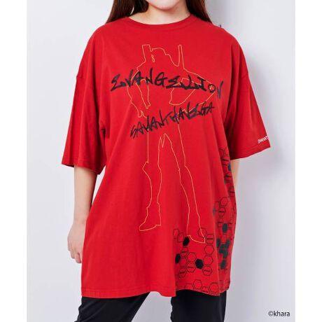 """[型番:00072111460002]『シン・エヴァンゲリオン劇場版』の公開を記念して、サマンサベガとエヴァンゲリオンのコラボアイテムを発売。2号機のイメージをカラーリングし、オリジナルのグラフィック文字をプリントしたデザイン。Tシャツの後ろには、物語の舞台、「第3新東京市」の英語表記の""""TOKYO-III""""の文字をデザイン。2号機の機体のシルエットとA.T.フィールドがデザインされたTシャツはユニセックス仕様で、フリーサイズです。"""