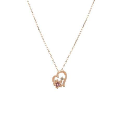 [型番:00132110460201]◇SAMANTHA SILVA(サマンサシルヴァ)のSAKURAネックレス(ハート)ハートのフォルムの中に桜が一輪。ピンク色の石を中央に添えて、愛らしく咲く桜の花。桜のそばできらりと輝くダイヤモンドが新しい春の訪れに輝きを添えてくれる。