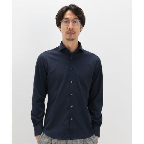 [型番:20050300200030]《快適な着心地でやみつきになる万能カッタウェイシャツ》■デザインカッタウェイカラーのベーシックなシャツ。ジャージー素材の伸縮性ある生地が、快適な着心地にしてくれます。ジャケットのインナーにはマストで使え、ビジネススタイルに取り入れやすい万能デザインです。■素材ポリエステルを使ったジャージー素材。**********************裏地:なし伸縮性:なし光沢感:なし生地の厚さ:普通**********************【ご注意】※商品の色味につきまして、お客様のお使いのPCのモニター環境により実際のカラーと画像の色味が違って見える場合が御座います。予めご了承の上、ご注文下さい。※店頭・外での撮影画像は光の加減で、実際の商品より明るく見える場合が御座います。モデルサイズ:身長:183cm バスト:90cm ウェスト:72cm ヒップ:93cm 着用サイズ:L※比較対照価格はメーカー希望小売価格です。
