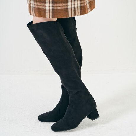 オリエンタルトラフィックのミドルヒールニーハイブーツ/1501今季注目のニーハイブーツは、折り返してロング丈でも使える2way仕様。足にフィットするストレッチ素材を使用し、美脚効果抜群のアイテム。落ち着いたカラーや全てスエード素材にすることで馴染みやすく、秋冬のコーデをおしゃれに引き立ててくれる。【オススメPOINT】●バックファスナーで着脱しやすい●今季はグレーを追加して選びやすいカラバリに※こちらの商品は2つ折りの状態で発送いたします。予めご了承くださいませ。ロングブーツ[型番:1501]