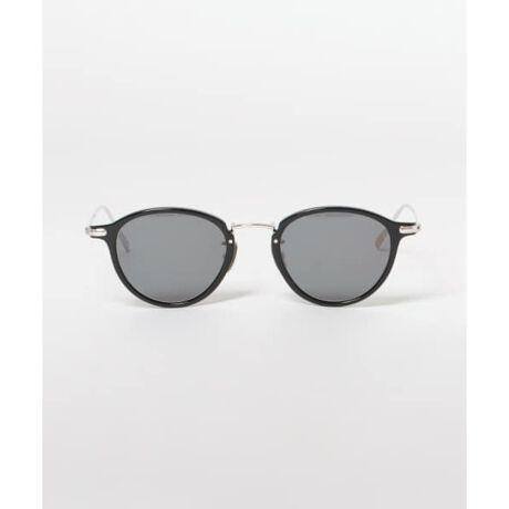 [型番:BM005-SUN-RM96]■BLANC..(ブラン)2012年にスタートした日本のアイウェアブランド。世界有数の眼鏡の産地、福井県鯖江市の熟練した職人による、細やかな技術に裏打ちされたストレスの少ないフィット感と、コンテンポラリーな感覚を兼ね備えたアイウェアを展開している。※高温のところに置かないでください。 本商品は傷の付きにくい特殊加工を施して有りますが、金属と一緒にしまうと傷が付くことがあります。 ※その他お取り扱いに関しましては、商品に付属のアテンションタグをご覧ください。 可視光線透過率 : 13%(BLACK), 17%(BRN SASA)紫外線透過率 : 1.0%以下