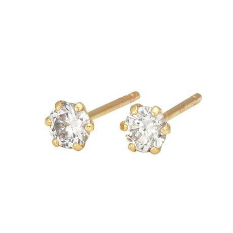 エステールの【WEB限定商品】K10 イエローゴールド ダイヤモンド ピアス。小ぶりで可愛らしいK10YGダイヤモンドピアス。トータル0.10カラットのダイヤモンドジュエリーです。6本爪のデザインがダイヤモンドをより輝かせてくれます。耳元から大人の女性を演出してくれるアイテム。カジュアルからフォーマルなシーンまで、幅広く使えるのでおすすめです。[型番:0212-2028-0010]