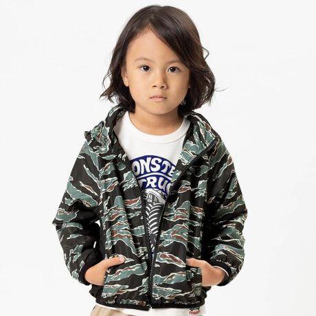 エフオーオンラインストアのウインドブレーカー。F.O.KIDS(エフオーキッズ)のジャケット・ブルゾン「ウインドブレーカー」で、アメカジテイストにユーズド感を加えた風合いあるデイリーカジュアルスタイルを楽しもう!アメカジテイストの子供服・ベビー服ならF.O.KIDSにおまかせ!#FOKIDSMART【サイズ情報】80:着丈38 身幅33 裄丈39.5 袖口幅7.590:着丈40 身幅34 裄丈42.5 袖口幅7.595:着丈42 身幅35 裄丈44.5 袖口幅7.5100:着丈44 身幅36 裄丈47 袖口幅8110:着丈46 身幅38 裄丈52 袖口幅8120:着丈49 身幅40 裄丈57 袖口幅8130:着丈53 身幅42 裄丈62 袖口幅8.5140:着丈57 身幅45 裄丈67 袖口幅8.5※商品により多少の誤差が生じる事がございます。あらかじめご了承下さい。※サイズは、平置きの状態で、商品の【外寸】を測定した物です。[型番:R102031]