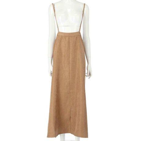 ライスコーデュロイで季節感たっぷりのサロペットスカートが入荷いたしました!裾にかけてのフレアシルエットがとってもかわいい一枚!コーディネートが組みやすいおしゃれなお色味なのもうれしいポイント♪【STYLING】フレアなシルエットなので2WAYリブニットトップスのようなタイトなものに合わせるのがおススメ◎ハットやショートブーツと合わせてBOHOスタイルにするのもかわいいですよね♪※販売状況によりSTYLING商材が売り切れとなっている場合がございます。ご了承ください。【DETAIL】ライスコーデュロイ素材で肌触りがとっても良く、これからの季節にぴったりな素材感♪肩ひもは調節可能なのでサイズ感を調整できるのもうれしいポイント♪裾にかけてフレアになってるので脚のラインを拾わないのも◎※販売状況によりSTYLING商材が売り切れとなっている場合がございます。ご了承ください。【DETAIL】ライスコーデュロイ素材で肌触りがとっても良く、これからの季節にぴったりな素材感♪肩ひもは調節可能なのでサイズ感を調整できるのもうれしいポイント♪裾にかけてフレアになってるので脚のラインを拾わないのも◎<サイズ>身幅:FREEウエスト:85cmヒップ:106cm総丈:95cm(ヒモ部分含まない)<素材>ポリエステル100%<モデルの身長>164cm(ダークグレー着用)153cm(ベージュ着用)※ストレッチなし※裏地なし※使用している素材は、材質の特性上衣類への色落ちが生じる場合がございます。ご了承ください。※商品のお取扱いに関しましては、商品に付属のアテンションカード、洗濯ネームをご覧ください。※モデル着用画像は光の当たり具合で色味が違って見える場合がございます。実物の商品の色味はマネキン着用画像をご参照ください。