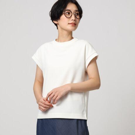 [型番:15312402]【デザイン】前後差のある着丈や身頃から続きのフレンチスリーブデザインで、大人に似合うスウェットシャツが完成しました。ヘビーウェイトなので体のラインも拾いにくく、気になるヒップやウェスト回りをカバーできる着丈もポイントです。【生地感】リネンのような表面感・さらっとした触感のリラックスジャージ。麻調繊維とストレッチ性の高い糸を交編することで、ナチュラルな表面感を実現しました。肌離れのよいドライタッチな着心地、そして軽さも特徴です。サイズ違いの商品もご用意しております。L:153-12952