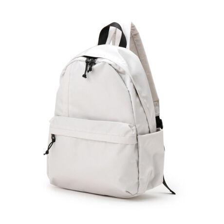 [型番:73202002]【デザイン】装飾を削ぎ落したシンプルなルックスながらも、9つの多彩なポケットで実用的に仕上げたリュック。ノートPCやタブレットの持ち運びに便利なパソコンスリーブも完備しています。A4サイズもすっぽりと収まるサイズ感ながらも、ナイロン仕立てでバッグ自体が軽量なのも◎※ポケット数:外側×5 内側×4重量:約445g