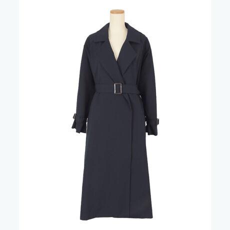 ◆POINT・長め丈が大人スタイルにぴったりのトレンチコート。・落ち感のある素材で、歩く度に揺れるシルエットが上品な印象を与えます。・さっと羽織って着流し風にも着用できる使い勝手の良い一枚。・袖にボリュームがあるので、女性らしい印象もプラスできます。・通常のSサイズでは着丈が長いという方向けのS(ショート)サイズもご用意しました。[型番:BXXN0930]