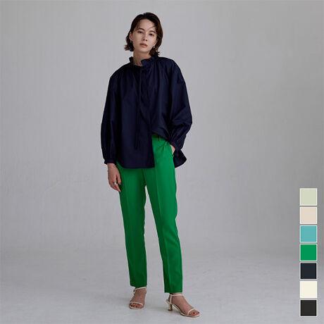 ◆POINT・細身シルエットですっきりと穿くことができ、美脚効果のあるスティックパンツ。・カラーにこだわり、春先に使いやすい華やかで綺麗な色展開も魅力。・同素材を使用したブラウスとのセットアップ着用も可能です。・細身なので着丈が長めのアイテムとの相性も抜群で、様々なコーディネートで活躍する一枚。[型番:BXXN0941]