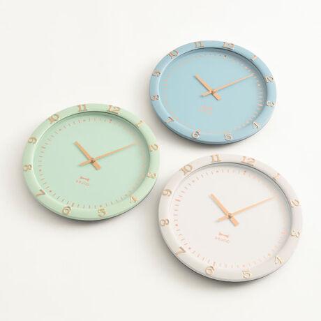 [型番:2760342]文字盤にピンクゴールドの箔押しをあしらい、お部屋を上品かつ華やかな雰囲気にする掛け時計。フレーム部分の数字が大きく見やすいデザインです。