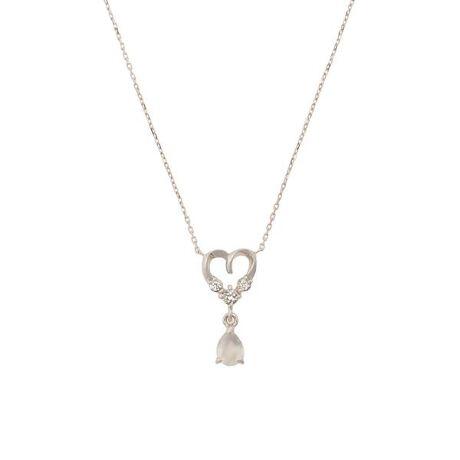[型番:00092110402402]◇Samantha Tiara(サマンサティアラ)の【6月】誕生石ネックレス6月の誕生石ムーンストーンが柔らかい輝きを放つネックレス。ハートモチーフとしずく型のムーンストーンが女性らしい印象に。ムーンストーンは女性らしさを引き出してくれる石と言われており、ご自身のお守りジュエリーや大切な方へのプレゼントにおすすめ。