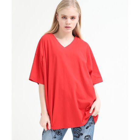 アールエヌエーのVネックルーズTシャツ■USEDライクなBIG T-shirt■少しムラがあり、USEDのような洗い感のある生地を使ったTシャツ。ルーズなサイジングで1枚で着てもこなれた雰囲気のあるアイテムです。メンズライクなサイズ感ながら少し開いたVネックの首回りで、大人な雰囲気でも着られます。デニムパンツとシンプルに合わせたスタイリングもオススメで、柄ボトムと合わせてもサマになります。生地感:やや薄手の柔らかい生地透け感:ややあり(ホワイトのみ)伸縮性:あり※こちらは参考情報となります。多少の誤差はご了承ください。[型番:M1394]