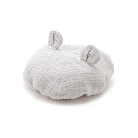 [型番:PBGH211751]<b>【丸いねずみ耳がポイントのガーゼベレー帽】</b> <b>【Design/Styling】</b>ねずみをイメージした丸い耳がポイントのベレー帽。ガーゼ素材ならではの立体感が愛らしく、被り口にはゴムが入っているのでお子さまの成長に合わせ長くご愛用いただけます。ガーゼに包まれたあご紐がしっかりとフィットし、安全性を考慮し片側はスナップボタンで簡単に外れる仕様になっています。おそろいでルームウェアやスタイ、ブランケットなどをご用意しました。<b>【Fabric】</b>保湿性と吸水性に優れた、コットン100%のトリプルガーゼを使用しました。ピンクとブルーの2色展開です。※商品画像はサンプルのため、色味やサイズ等の仕様に変更がある場合がございますので、予めご了承ください。※照明の関係により、実際よりも色味が違って見える場合があります。またパソコン・スマートフォンなどの環境により、若干製品と画像のカラーが異なる場合もございます。予めご了承ください。商品の色味は、商品単品画像をご参照下さい。
