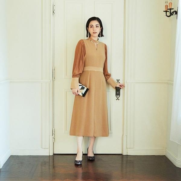 ネックパール風ドレス