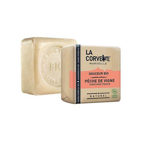 """[型番:60419872901]お肌と地球に""""心地よい""""オーガニックソープフランス語でという意のお肌と地球にやさしいサボン・ドゥスール・ビオ。敏感肌や洗顔、メイク落としにもおすすめ。COSMEBIOコスモオーガニック認証取得。6種類の人気の香りをご用意しました。・ドンキーミルク・ポメグラネイト&シアバター・アルガンオイル・ラベンダー・フィグリーフ・ヴィンヤードピーチ"""
