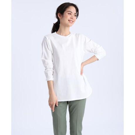 [型番:7012190009]前後差スリットがポイントのベーシックなコットンロングTシャツ。後ろが長めのヒップが隠れる嬉しい着丈になっています。身幅は適度なゆとりでワイド過ぎず、すっきりとしたシルエットでご着用いただけます。・水洗い可