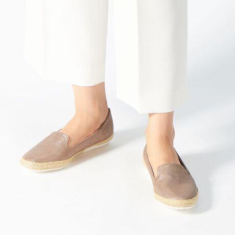 ヴェリココ/ラクチンきれいシューズ(velikoko)の【19.5~27cm】[ラクチンきれいシューズ]ジュート巻スリッポン(1.5cm)。・ゴムの靴底なので、地面からの衝撃を感じにくく沢山歩いても疲れにくい・甲が深めなので、脱げにくく安心して歩ける・クッション性のある中敷で、足が包み込まれるような柔らかい足あたり[型番:TJ9S15F12-115]